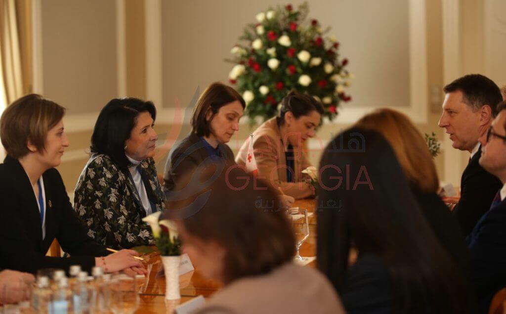 اجتماع الرئيسين الجورجي واللاتفي والوفد الرسمي