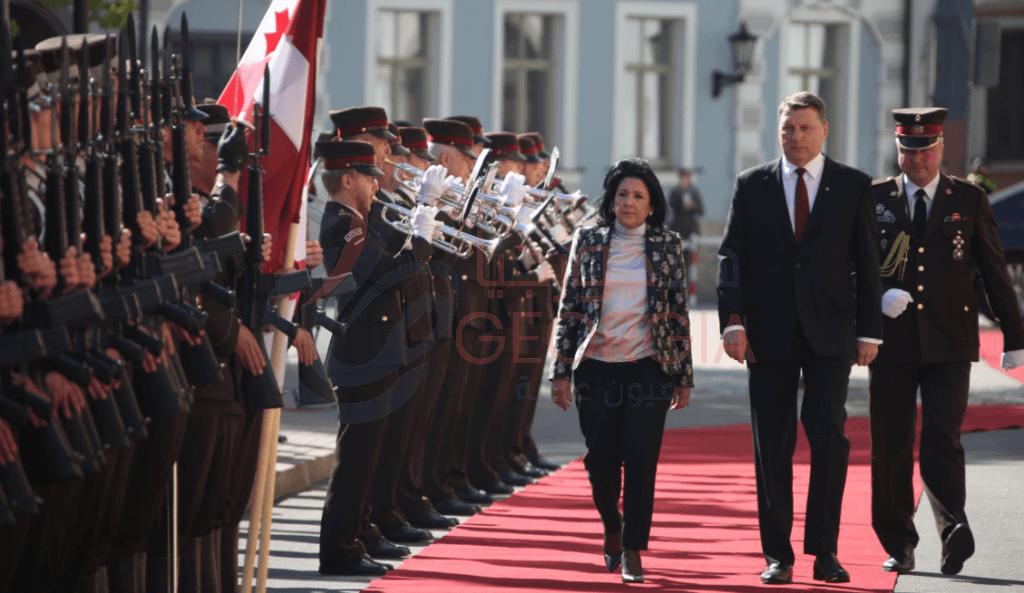 الاستقبال الرسمي بالقصر الرئاسي في لاتفيا