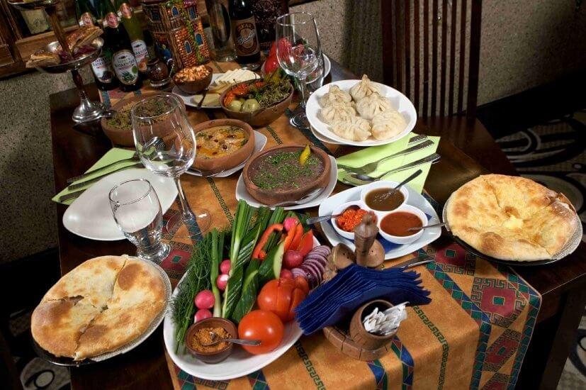 الطعام الجورجي التقليدي في تبليسي | اهم المناطق السياحية في جورجيا للسياحة العائلية