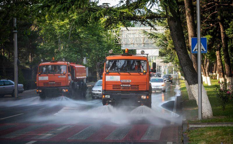 عمليات نظافة شوارع تبليسي